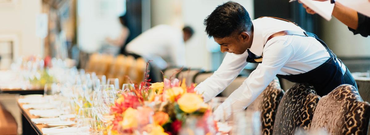 Serving waiter